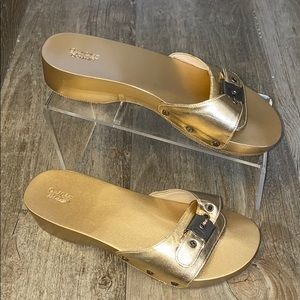 NWOB Dr Scholls Shiny Gold Metallic Clogs